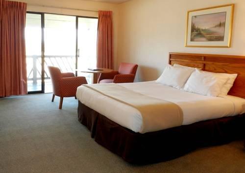 фото Dogwood Hills Golf Resort 677585595