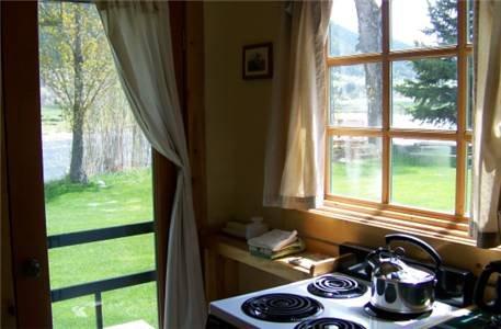 фото Yellowstone River Inn Cabins 677588442