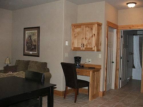 фото Arrowhead Lodge 677588883