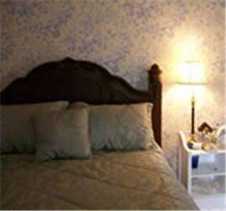 фото Cheney House Bed & Breakfast 677594130