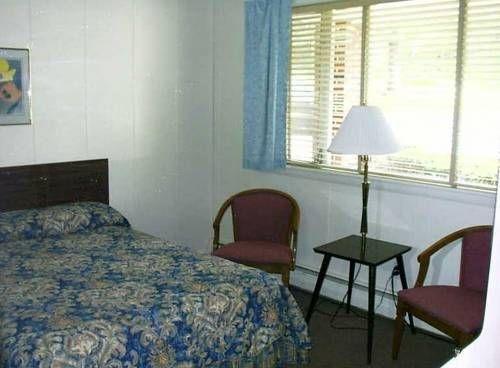 фото White Oak Motel & Cottages 677595016