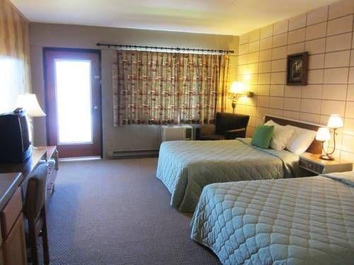фото Half Moon Motel & Cottages 677595339