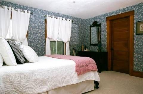 фото Follansbee Inn 677596544