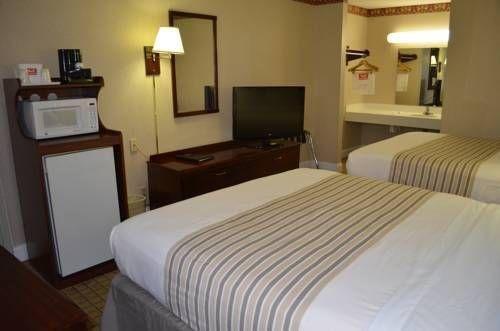 фото Econo Lodge Meadowlands 677598714