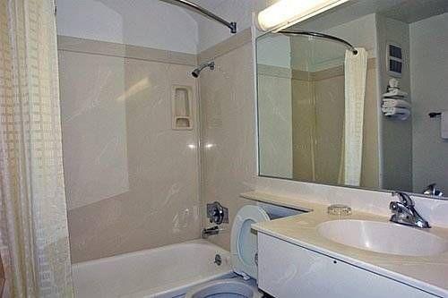 фото Motel 6 East Brunswick 677598915