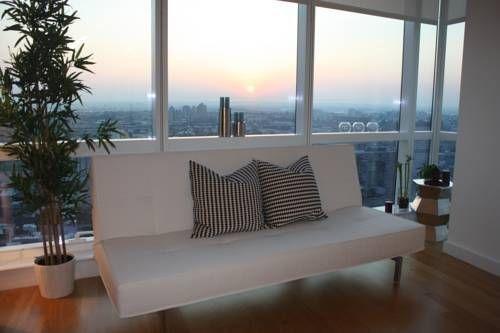 фото Dharma Home Suites JC at 70 Greene 677599614