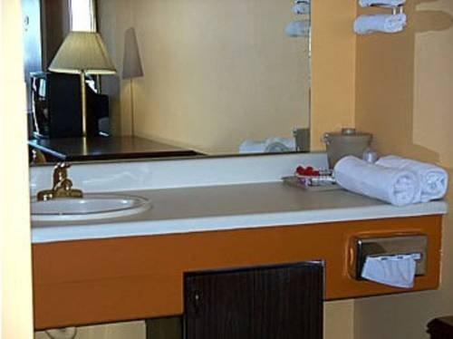 фото Mariner`s Cove Motel 677600960
