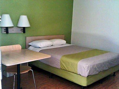 фото Motel 6 Albuquerque Midtown 677603600