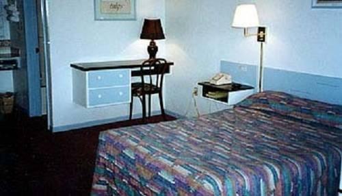 фото Budget Host Inn 677604745