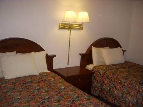 фото Economy Inn Ruidoso Downs 677605121