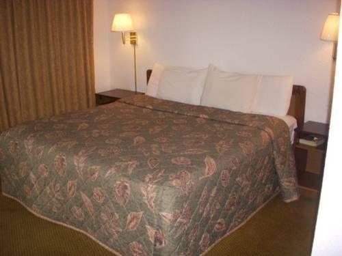 фото Economy Inn Ruidoso Downs 677605122