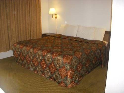 фото Economy Inn Ruidoso Downs 677605123