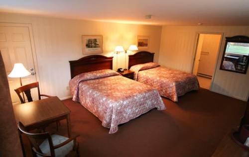 фото Melody Manor Resort 677607225