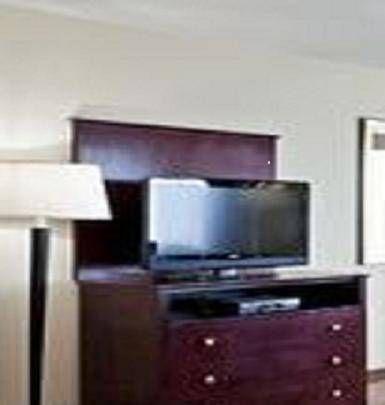 фото Holiday Inn Exp Syracuse N Airport Area 677609067