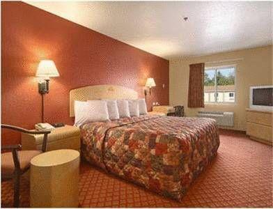 фото Days Inn & Suites Niagara Falls/Buffalo 677620396