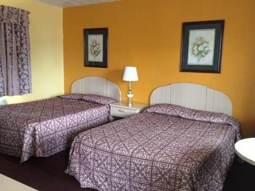 фото Hospitality Inn of Niagara Falls 677620452