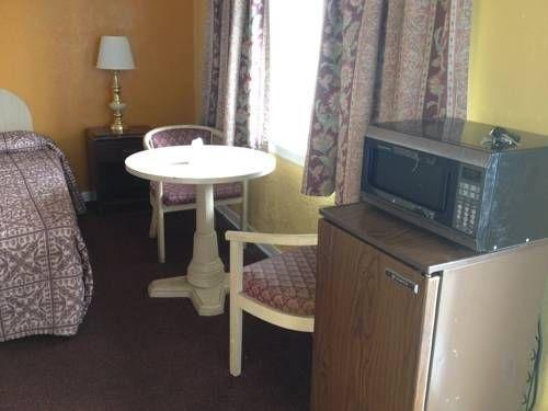 фото Hospitality Inn of Niagara Falls 677620454