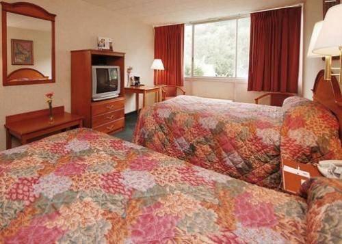 фото Days Inn Port Jervis 677621036