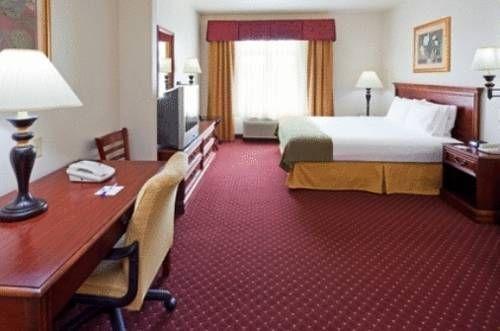 фото Holiday Inn Express Syracuse-Fairgrounds 677624040