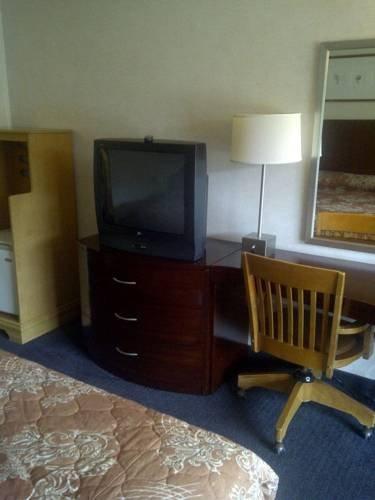 фото Lexington Triad Inn 677629662