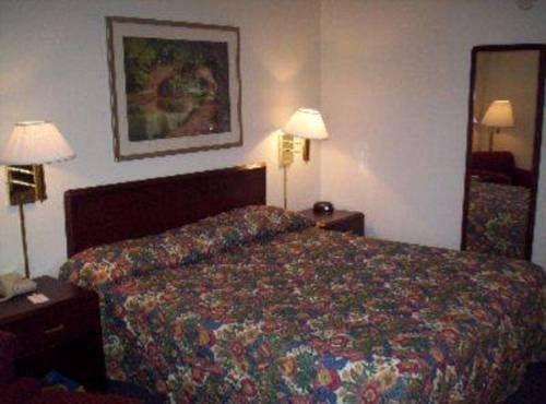фото Brookwood Inn 677631434
