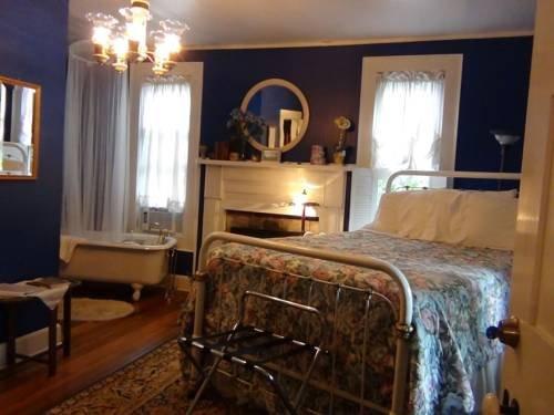 фото Buffalo Tavern Bed and Breakfast 677631690