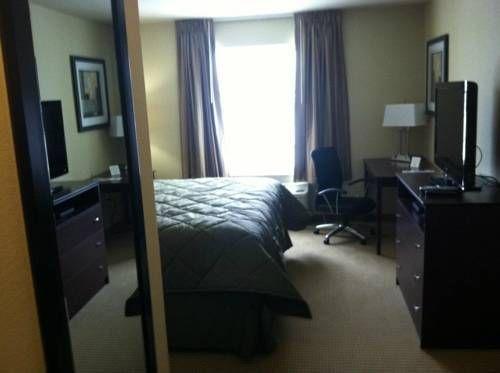 фото Cobblestone Inn and Suites - Carrington 677632359