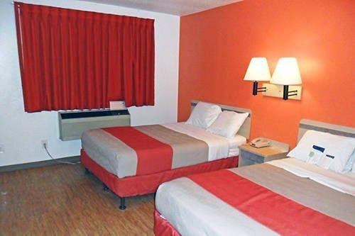 фото Motel 6 Fargo - North 677632449