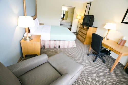 фото Star City Inn & Suites 677635374