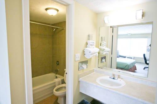 фото Star City Inn & Suites 677635378