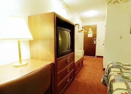 фото Americas Best Value Inn 677635579