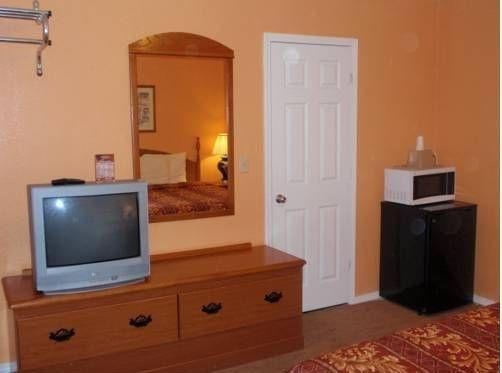 фото Budget Inn El Reno 677639046