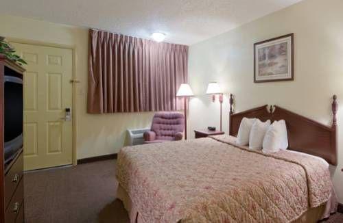 фото Days Inn Lawton 677639274