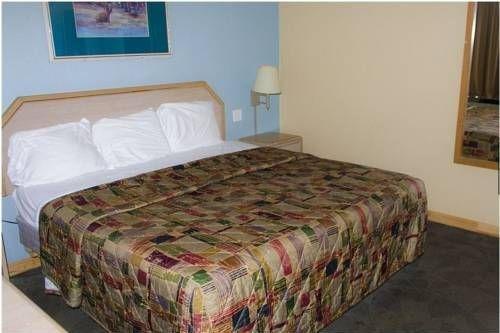фото Regency Inn and Suites Muskogee 677639523