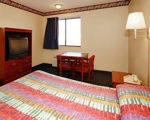 фото Econo Lodge Oklahoma City 677640191