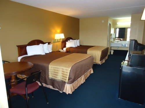 фото Americas Best Value Inn Roland 677640394