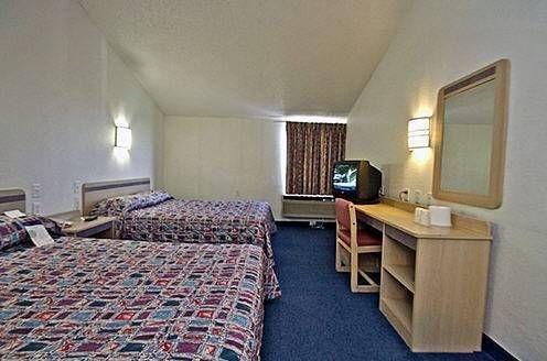 фото Motel 6 Shawnee 677640437