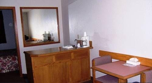 фото Oak Hill Inn and Suites 677640511