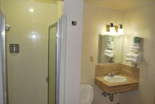 фото A-1 Budget Motel 677643257
