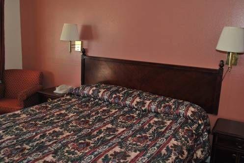 фото America`s Best Inn and Suites Klamath Falls 677643274