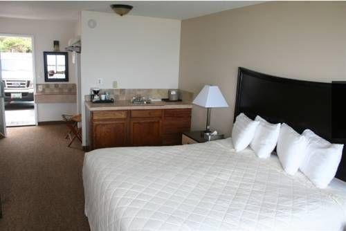 фото Sailor Jack Oceanfront Motel 677643515