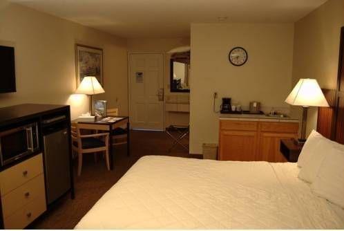фото Sailor Jack Oceanfront Motel 677643516