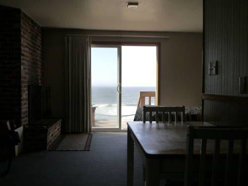фото WestShore OceanFront Suites 677643597