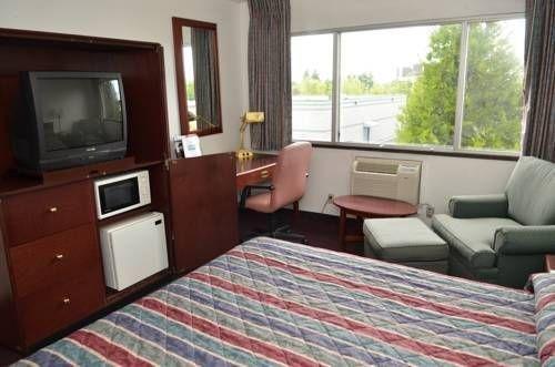 фото Rodeway Inn and Suites Portland 677645007