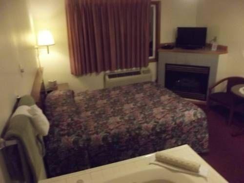 фото Hillcrest Inn 677645964