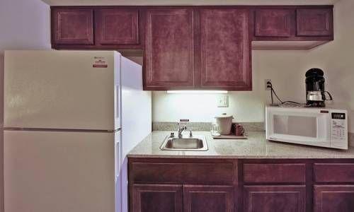 фото Hawthorn Suites by Wyndham Charleston 677654274