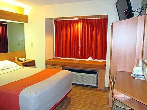 фото Motel 6 Simpsonville 677658925