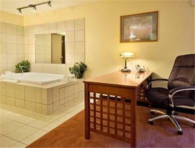 фото Super 8 Motel Sioux Falls I 677660116