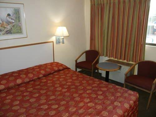 фото Americas Best Value Inn 677663848