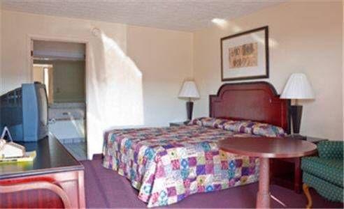 фото Parkway Inn 677664081